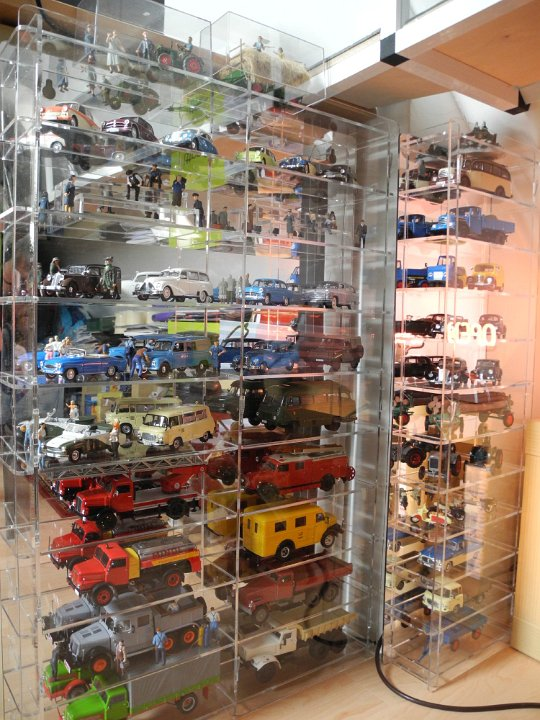 Acrylic HO Train Display Case Holds 15 New in Box Made in the USA